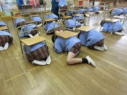 地震の避難訓練☆001_R.JPG