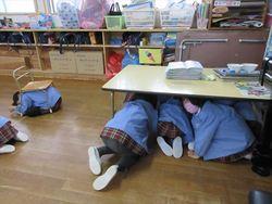 地震の避難訓練☆003_R.JPG