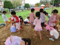 泥んこ遊び005_R.JPG